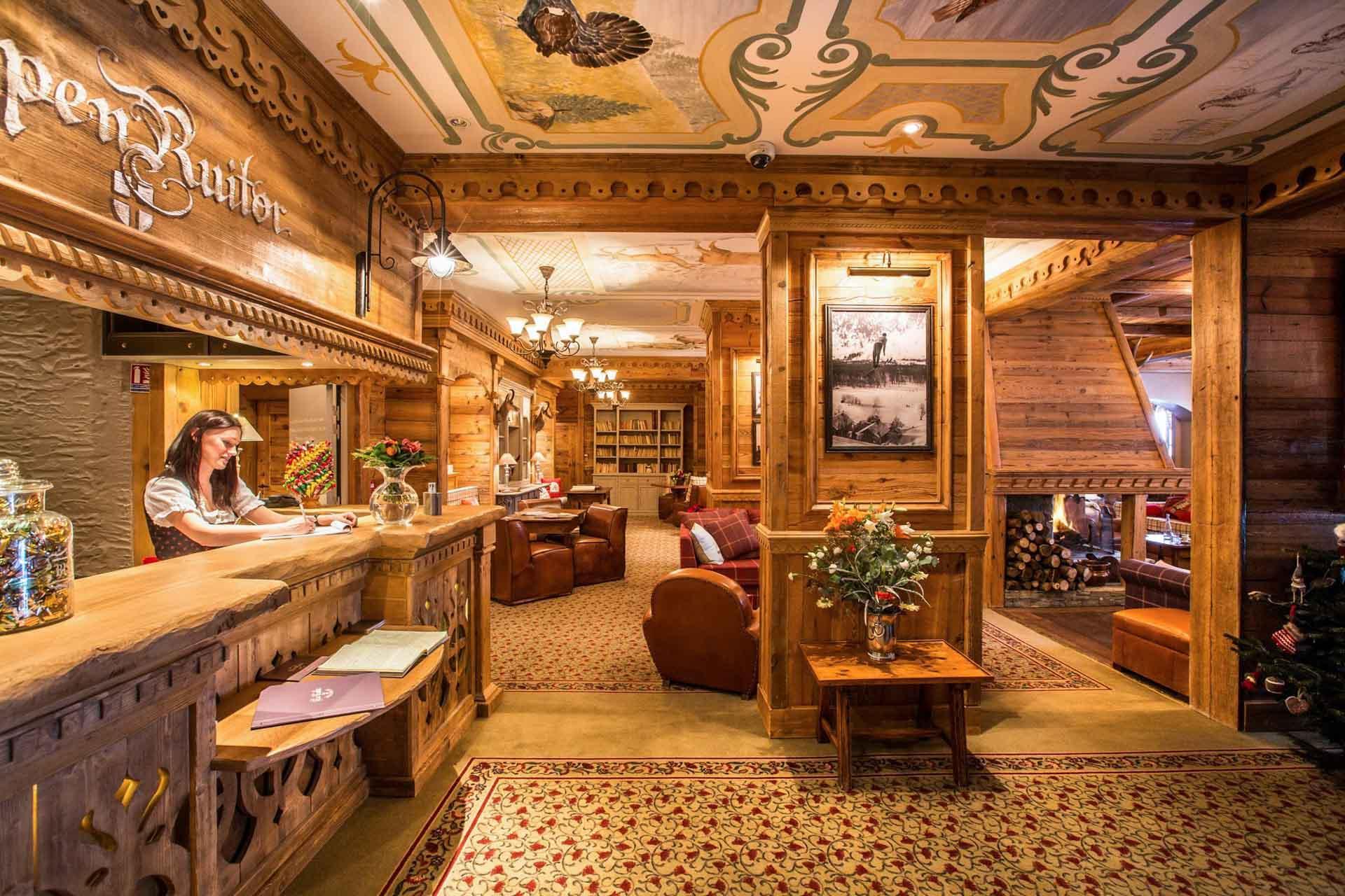 Le lobby de l'Alpen Ruitor et son style autrichien © DR