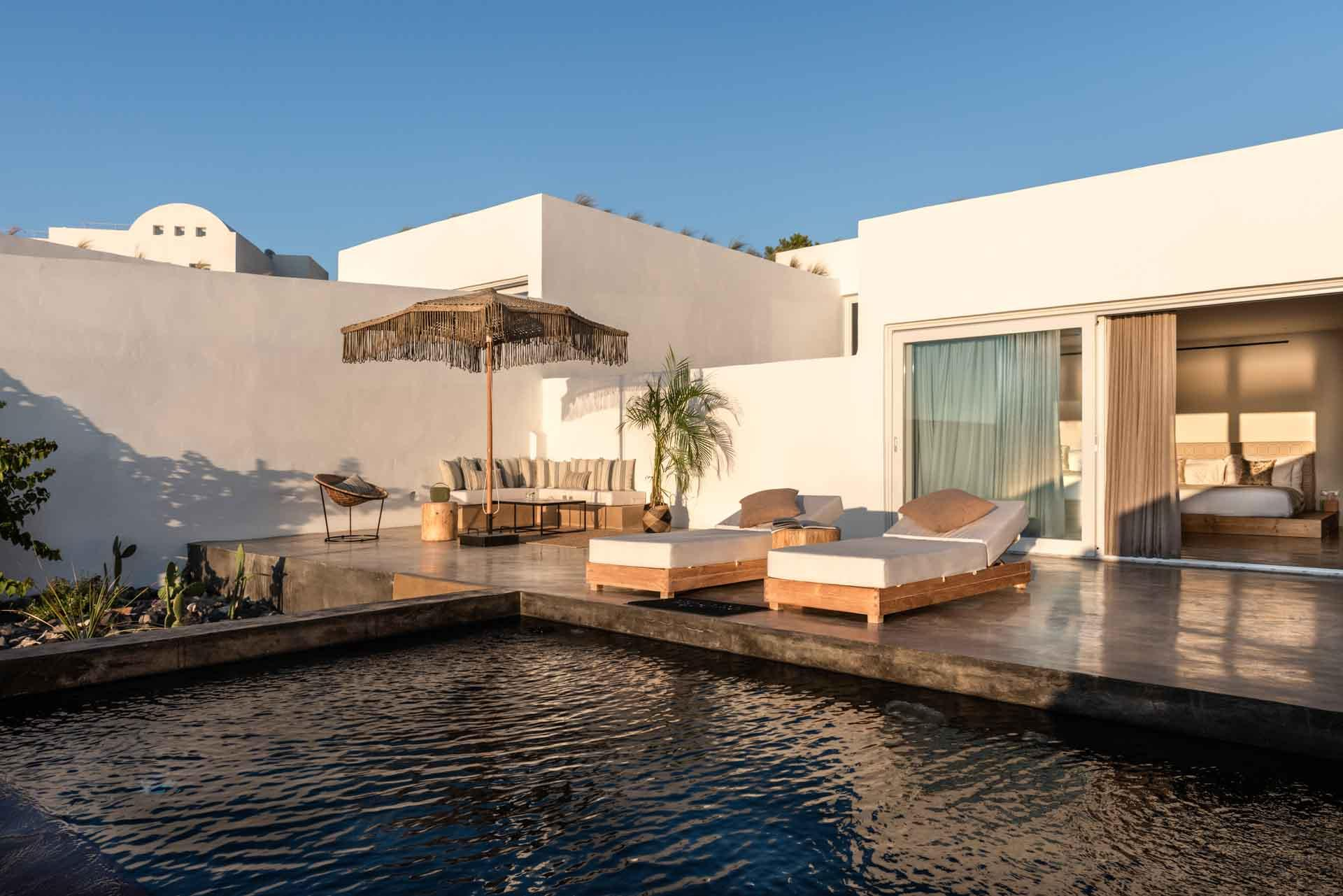 La Villa à quatre chambres au coucher de soleil © Andronis Arcadia