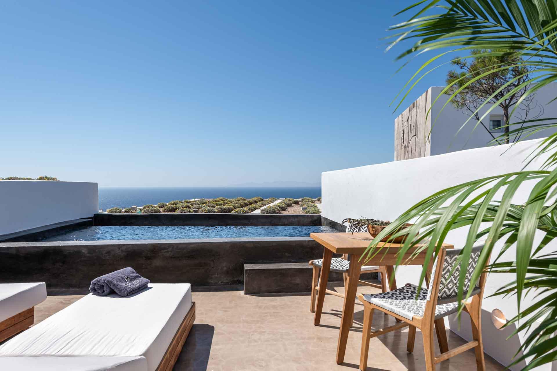 Pourquoi ne pas prendre son petit-déjeuner sur la terrasse de sa suite ? © Andronis Arcadia