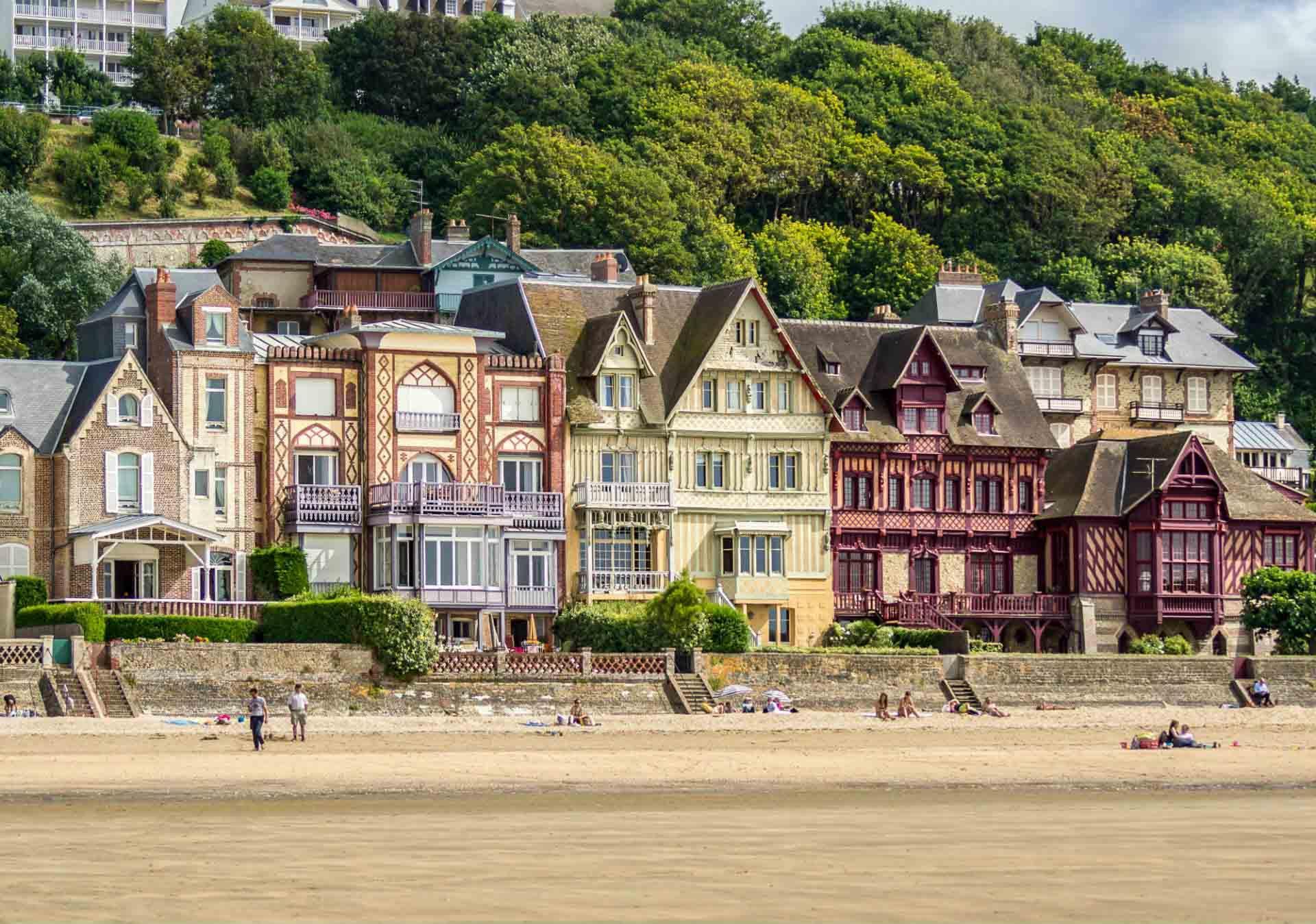 Le front de mer de Trouville et ses villas Belle Epoques © Office de tourisme de Trouville-sur-mer