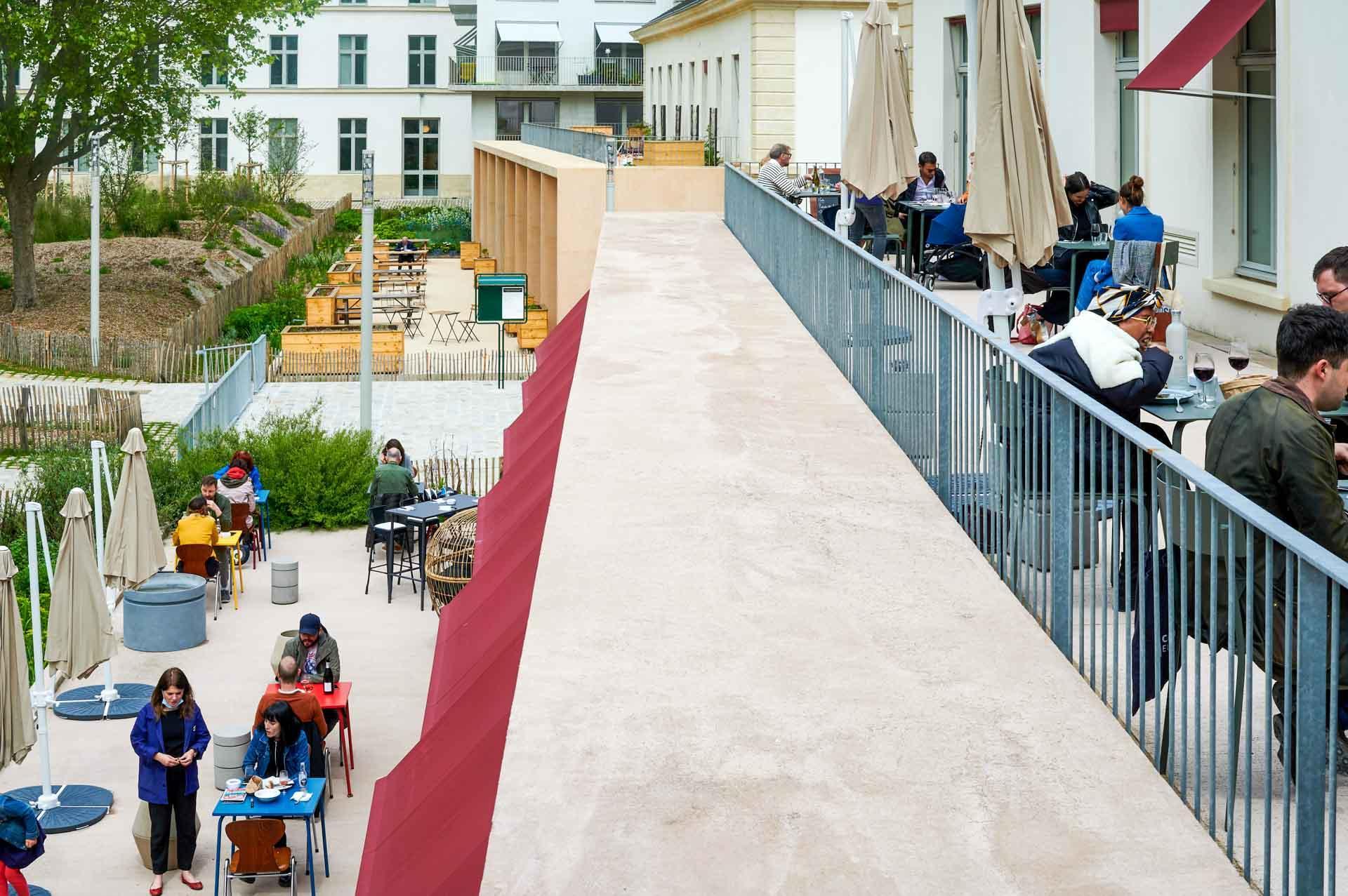 Les deux terrasses extérieures de Douze © Pierre Lucet Penato