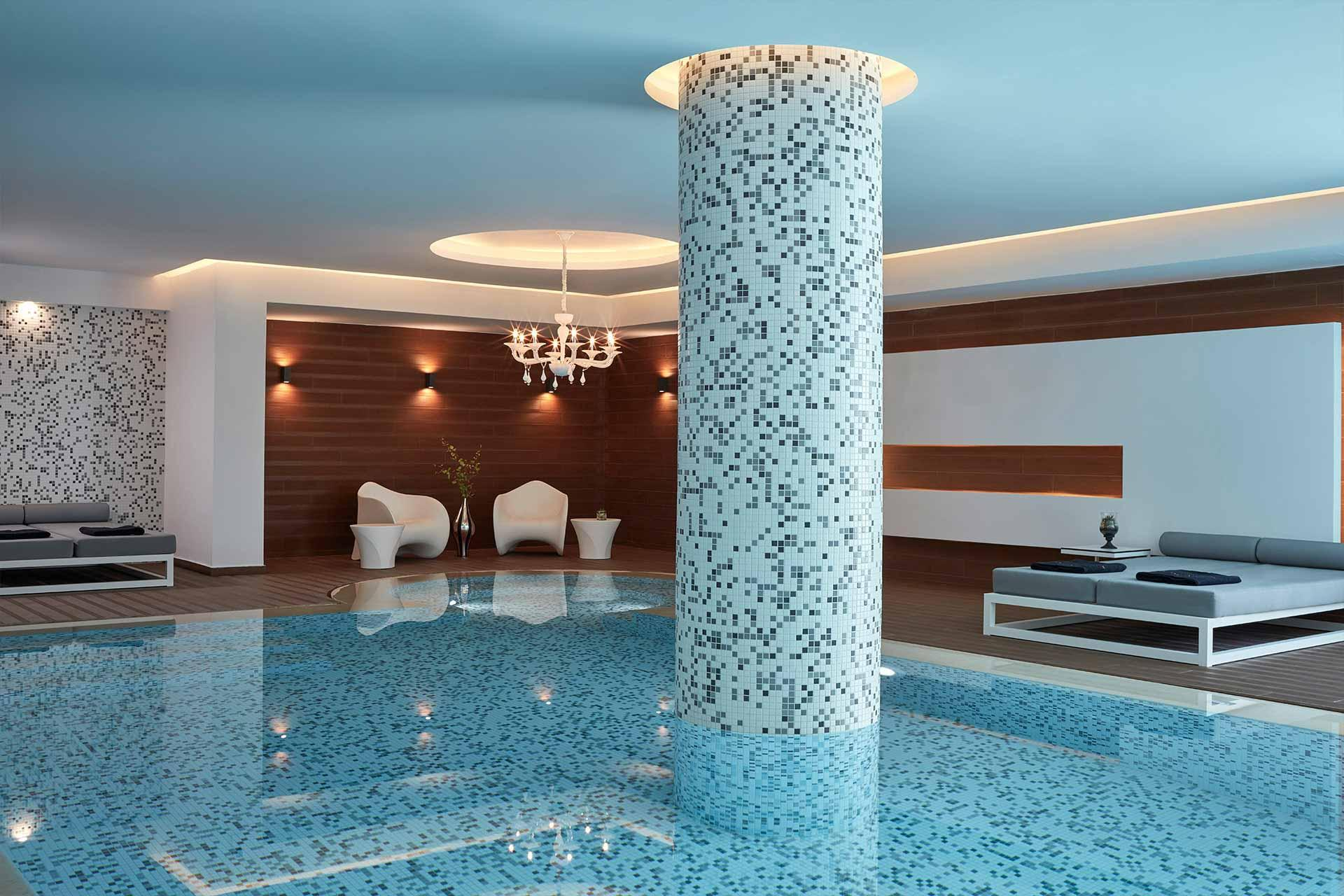 La piscine intérieure ©DR