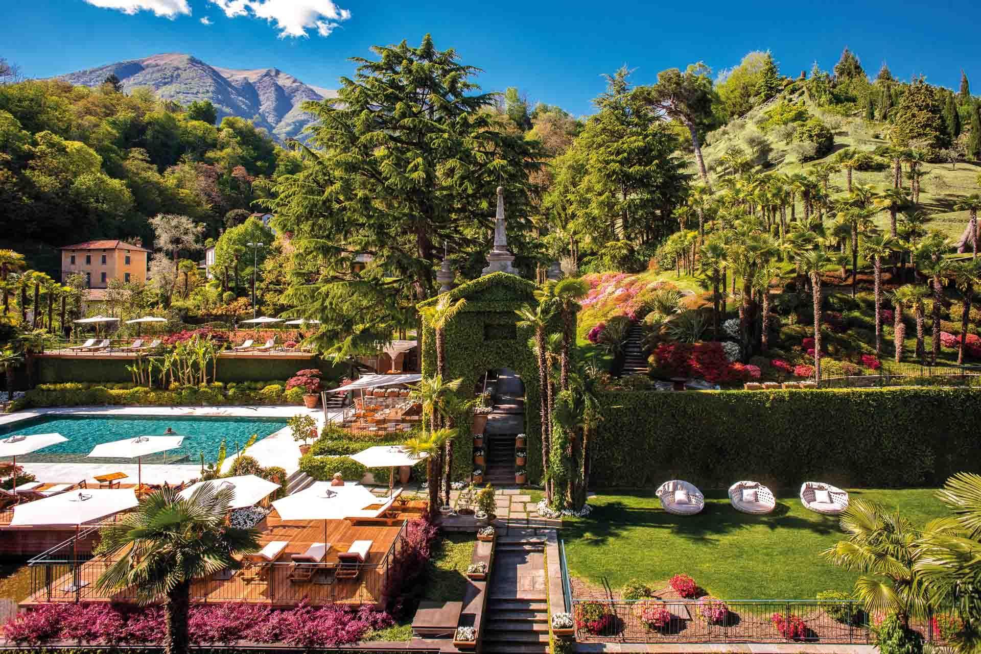 Le parc du Tremezzo avec piscine et tennis © Grand Hotel Tremezzo