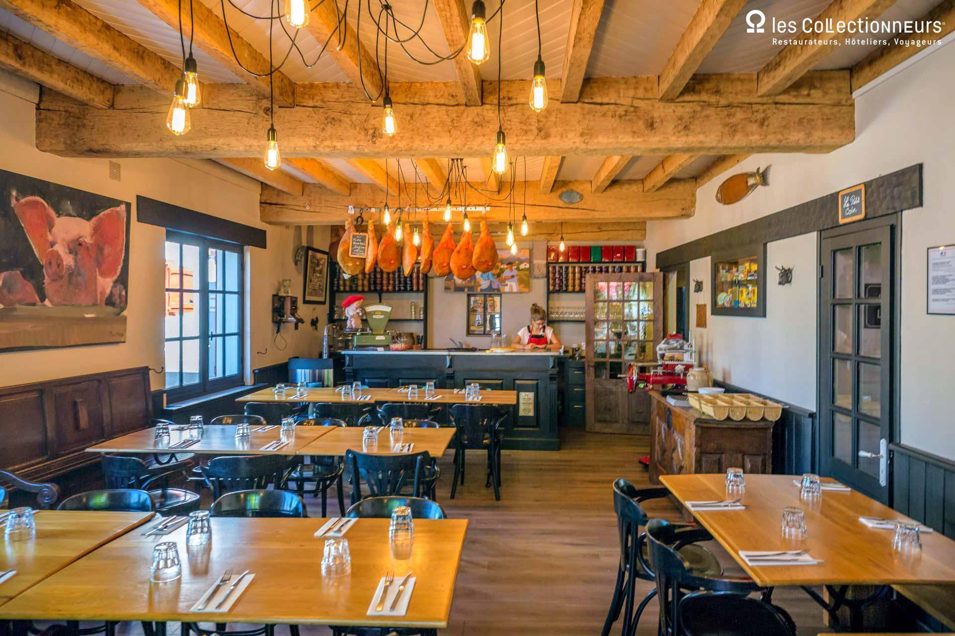 Hôtel Ithurria — Salle du restaurant © Les Collectionneurs