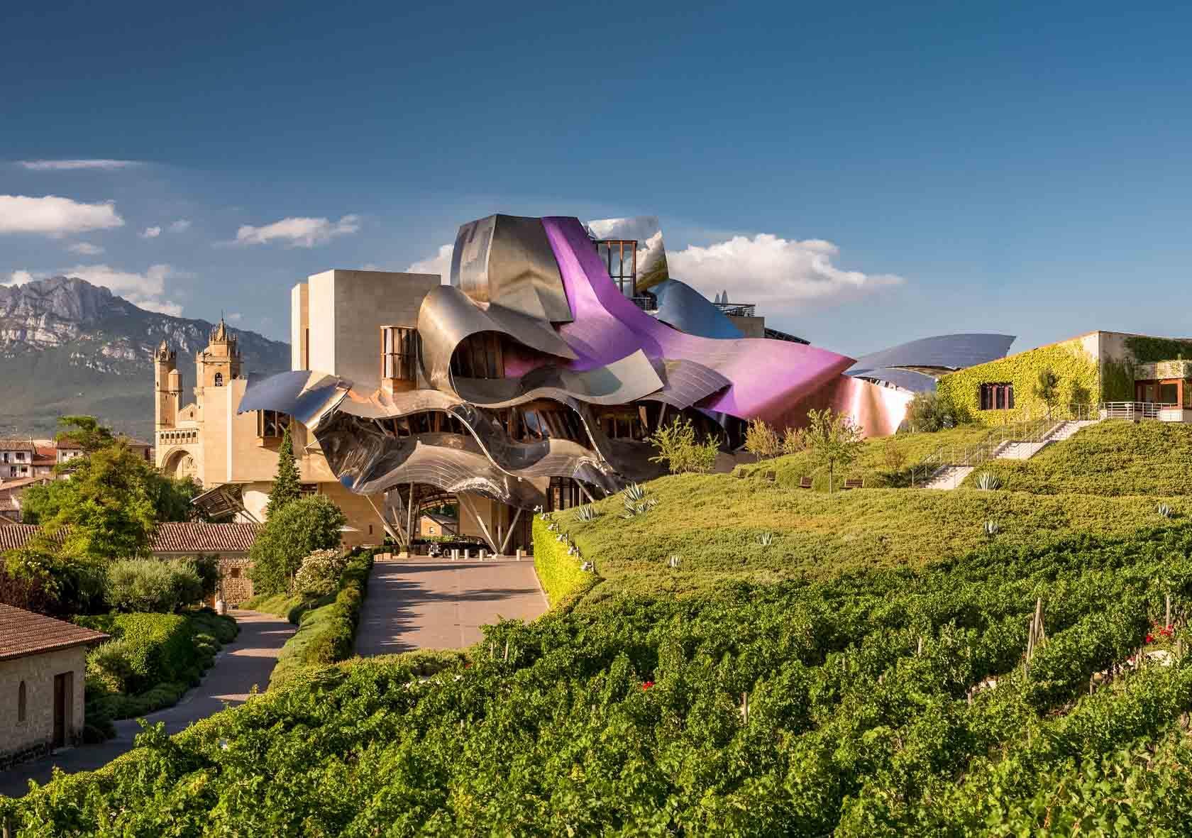 Les tôles ondulées de Frank Ghery rappellent le musée Guggenheim de Bilbao © Hotel Marqués de Riscal
