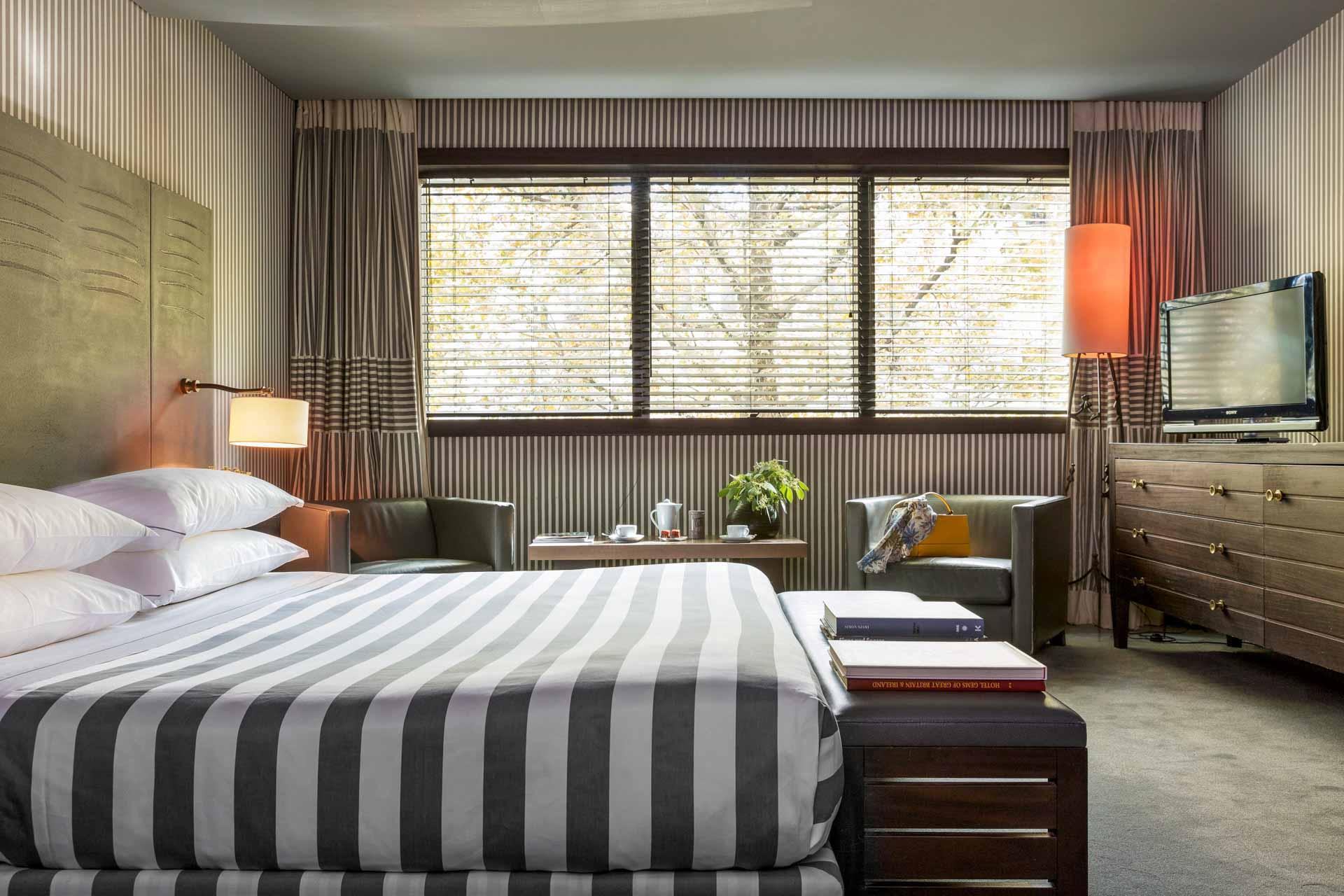 Chambre à l'Hôtel Square © société JADE