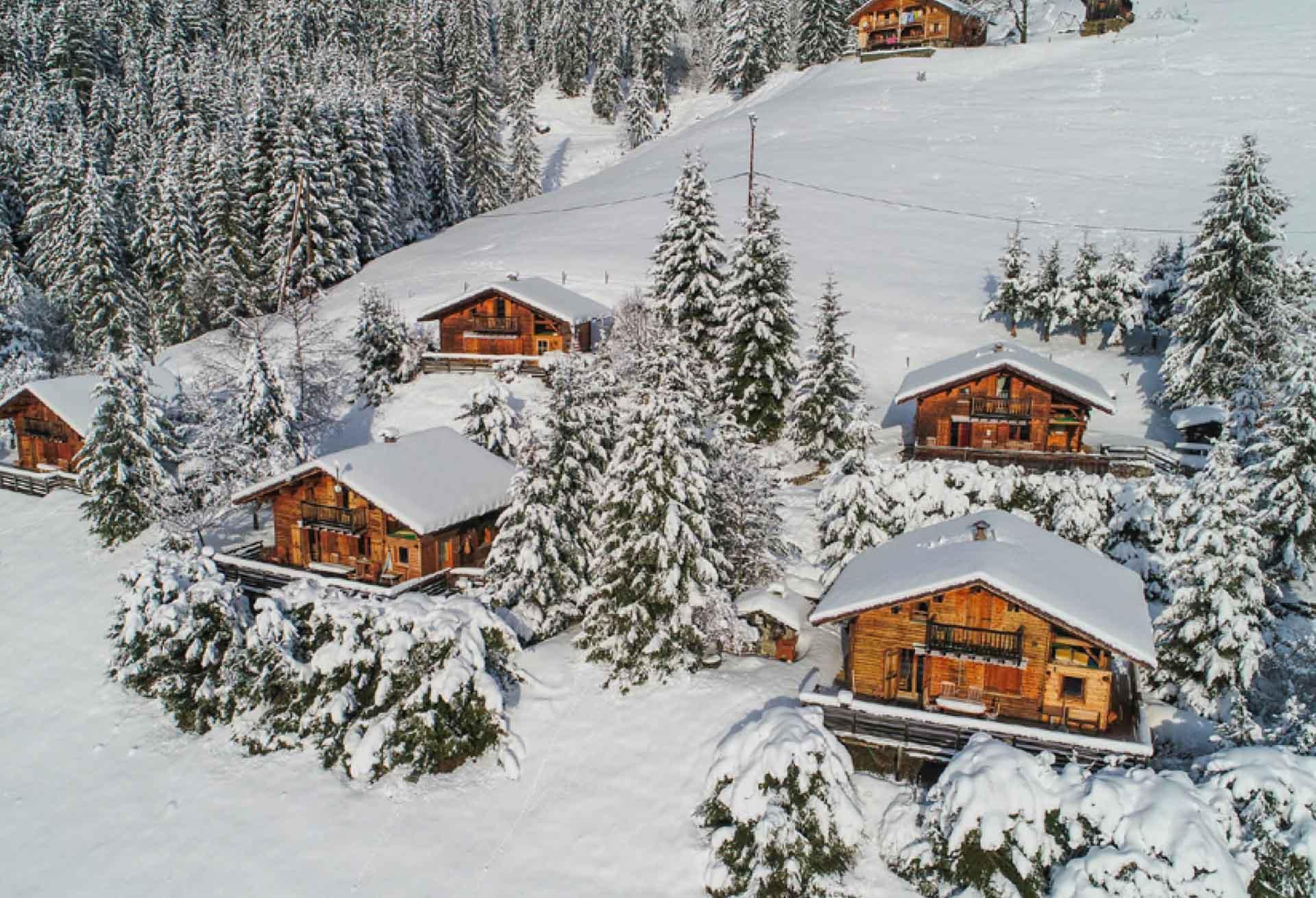 En hiver, une sensation d'être coupé du monde aux Chalets Hôtel de la Croix-Fry © DR
