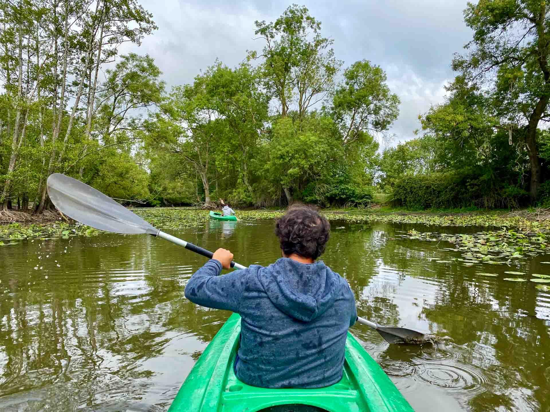 session kayak pour s'échauffer dans le parc du Château ©YONDER.fr/EL