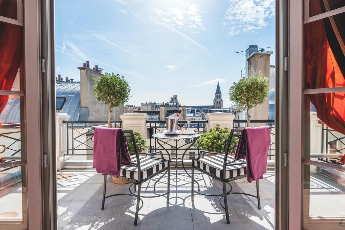 L'appartement parisien avec terrasse et vue imprenable sur les toits © Amy Murrell