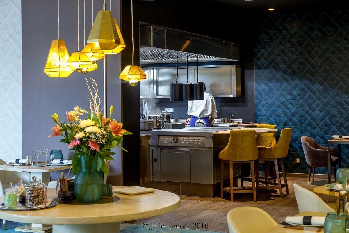 Salle du restaurant de La Maison d'à Côté © Julie Limont