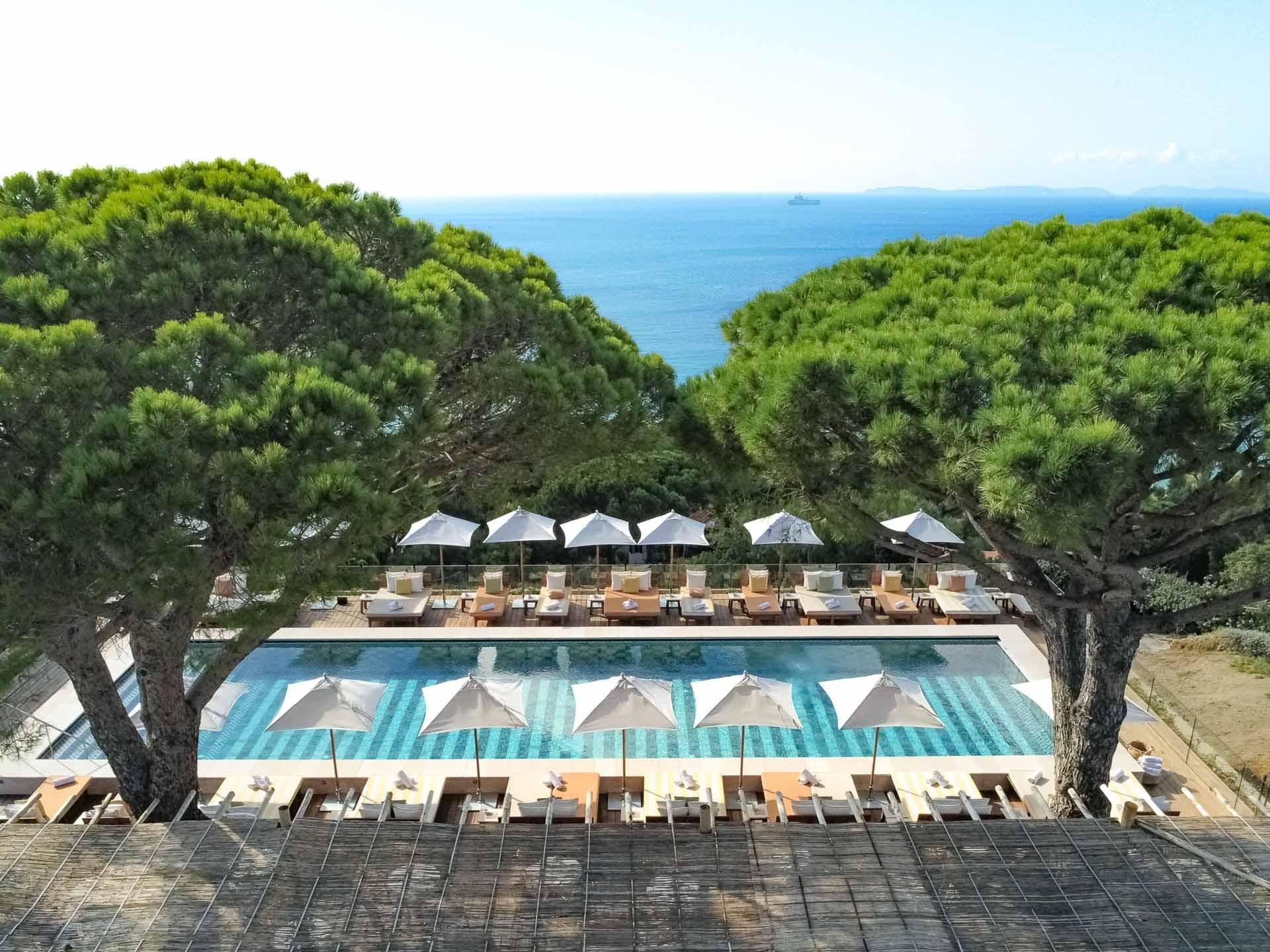 À Lili of the Valley, plonger dans une exceptionnelle piscine d'eau de mer face à la Méditerranée © DR