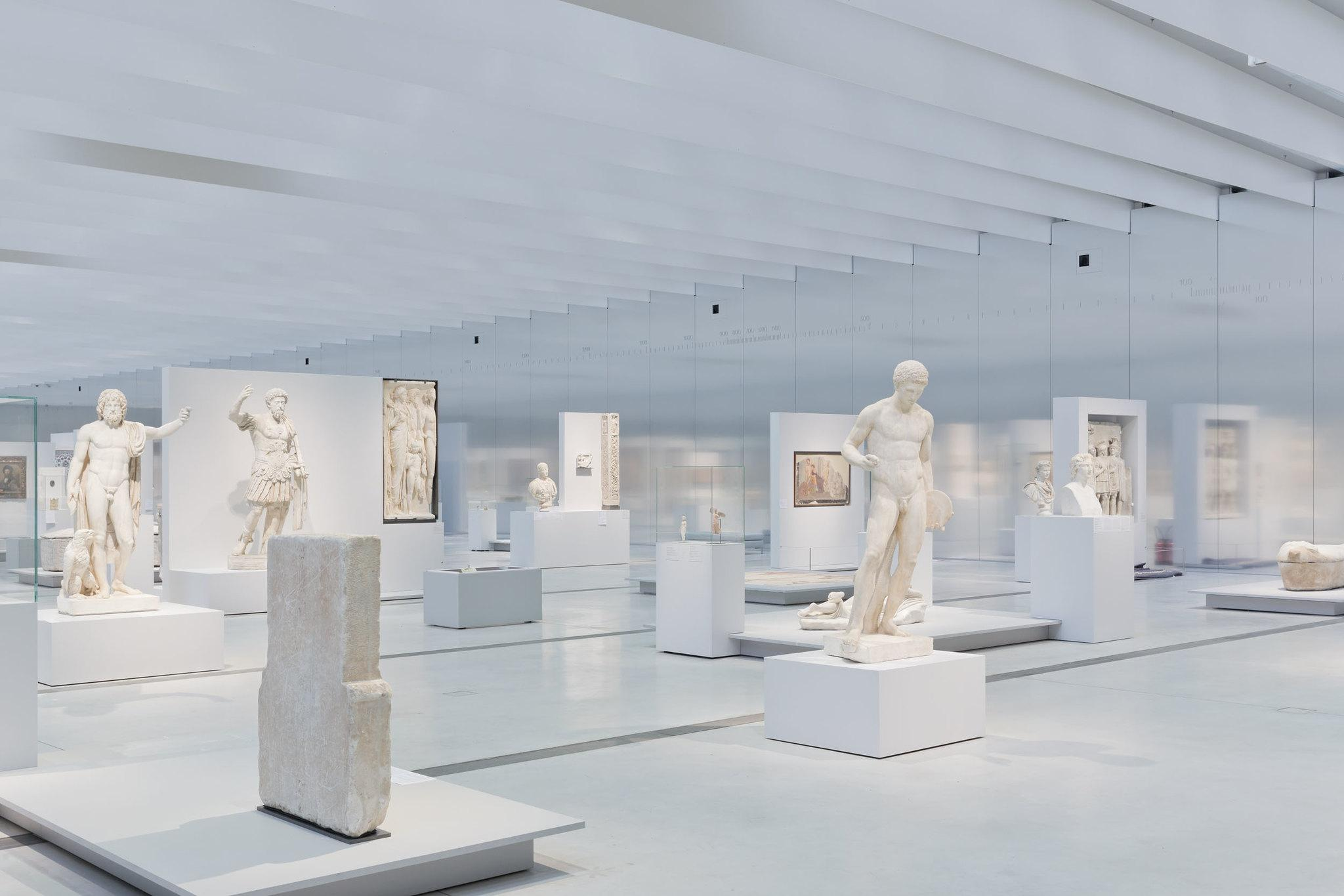 La Grande Galerie du Temps au Musée du Louvre-Lens © Iwan Baan