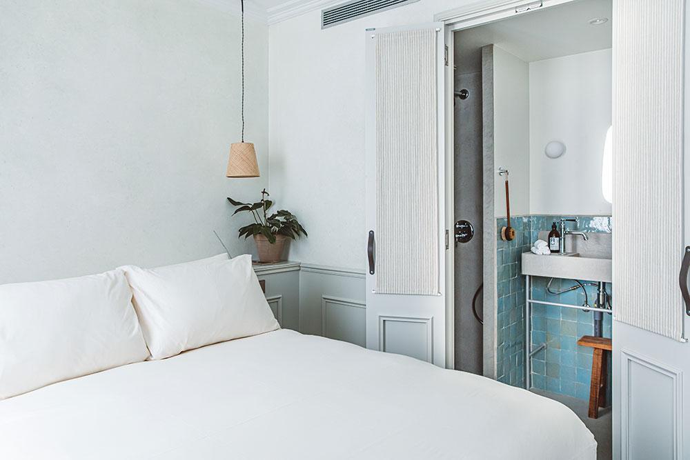 Les chambres minimalistes de l'hôtel Hoy © DR