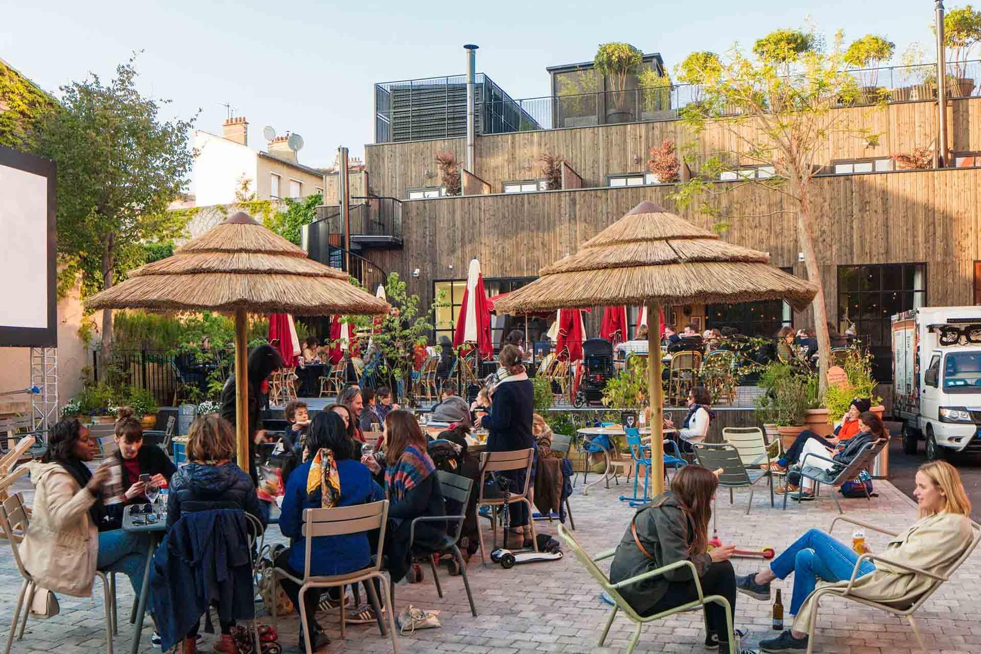 La cour jardin du MOB Hotel de Saint-Ouen © MOB Sas