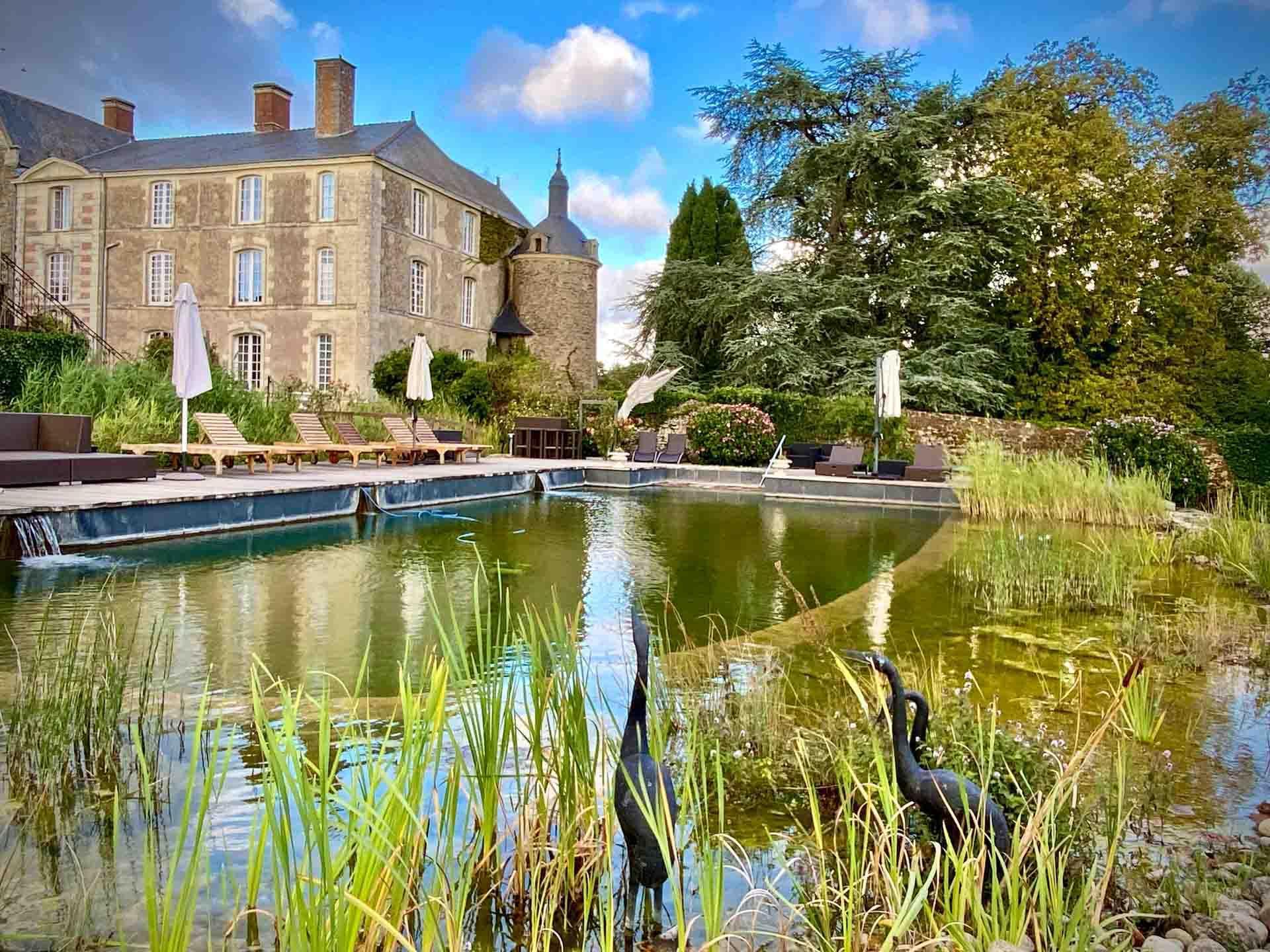La piscine naturelle du Château de l'Epinal © YONDER/EL
