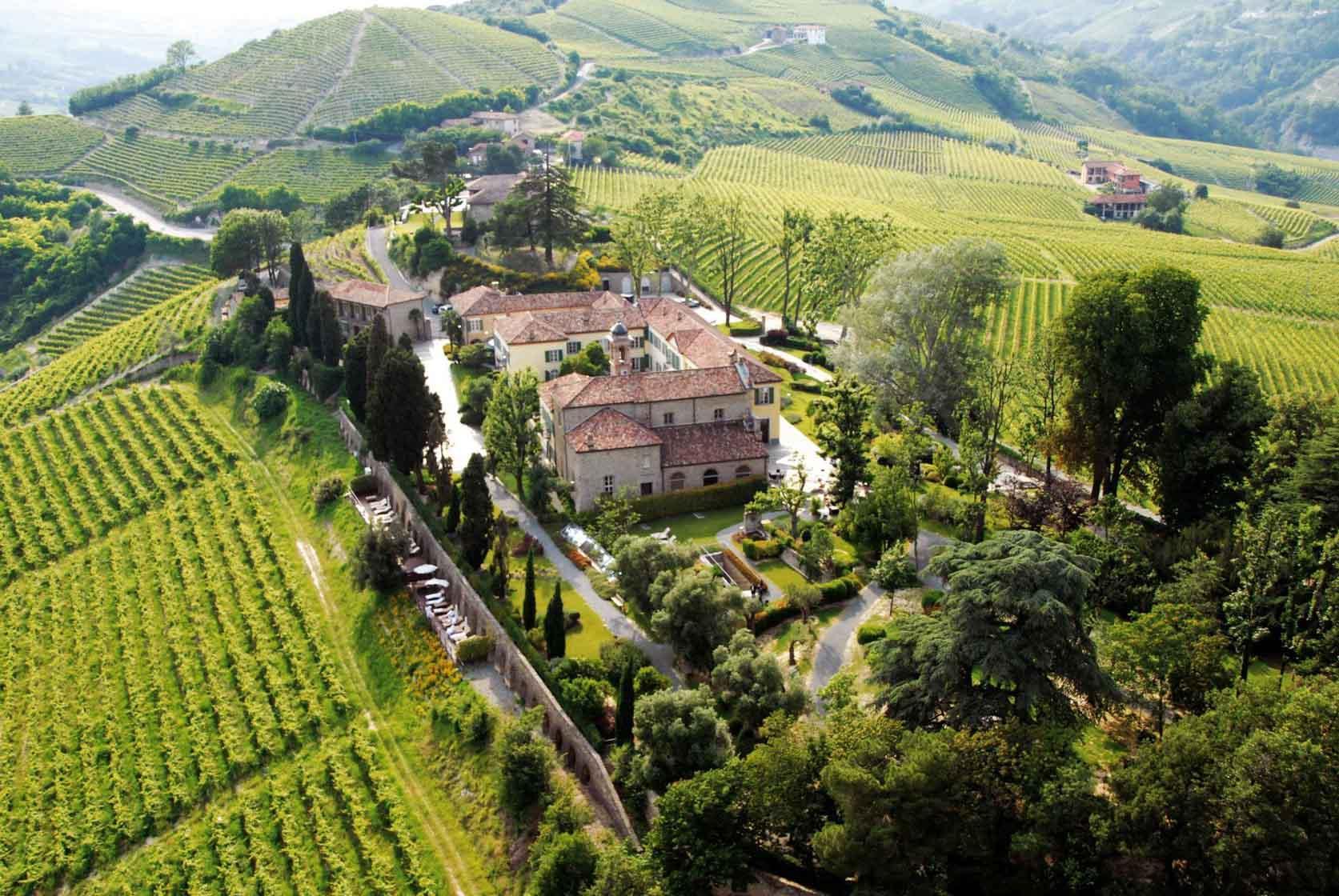 Le Relais San Maurizio domine les vignes des Langhe © Relais San Maurizio