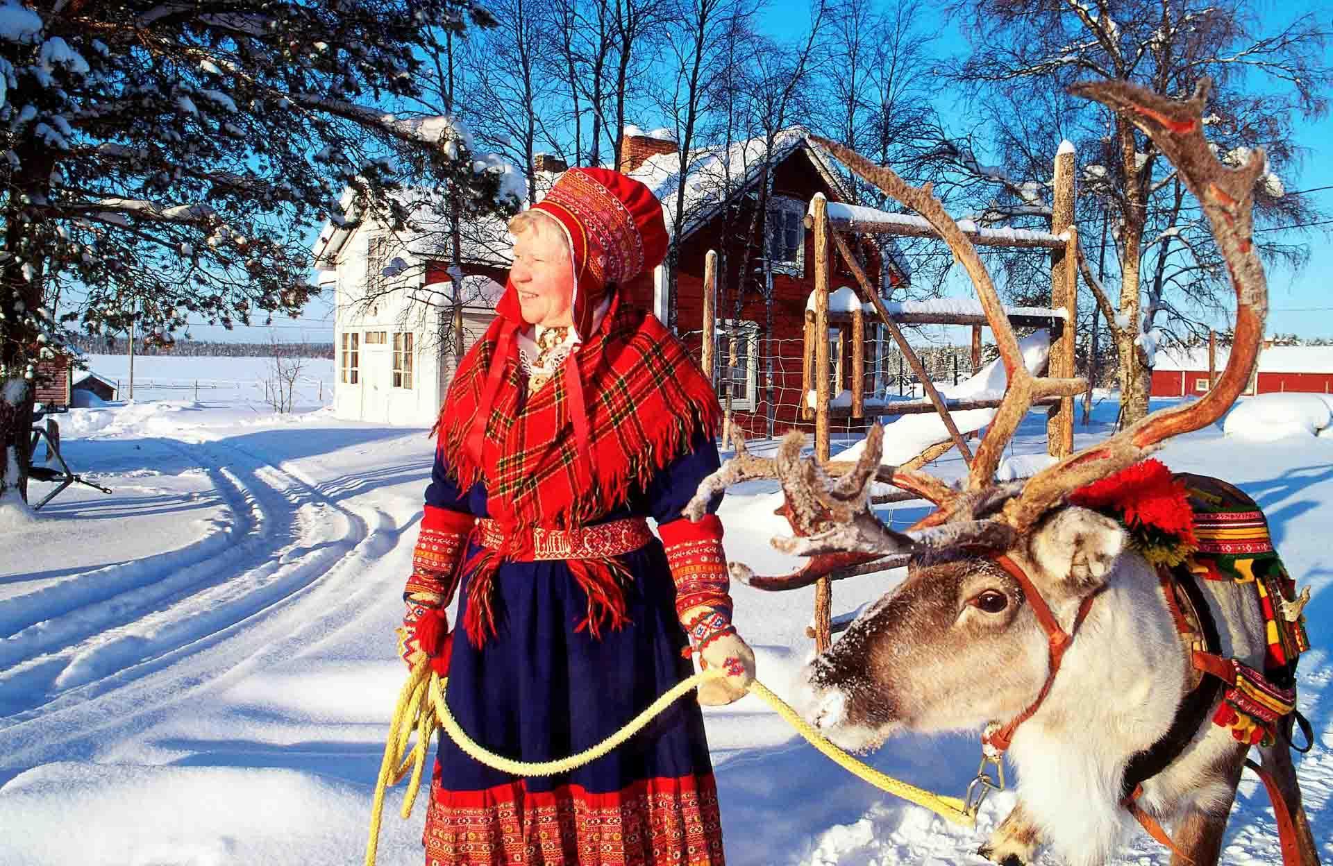Habit sami traditionnel © Arto Liiti - VisitFinland