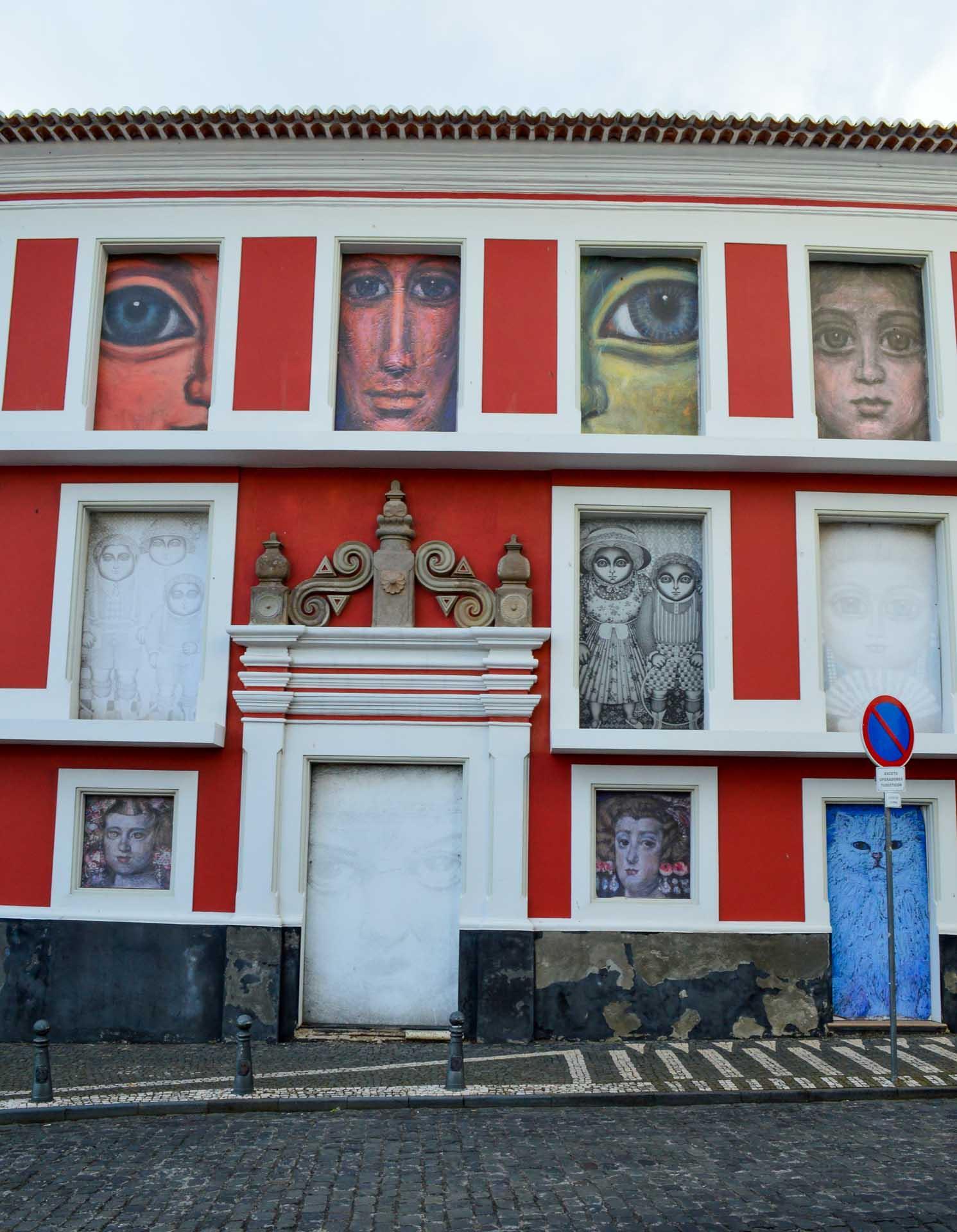 Des œuvres sont réparties dans toute la ville © YONDER.fr/PG