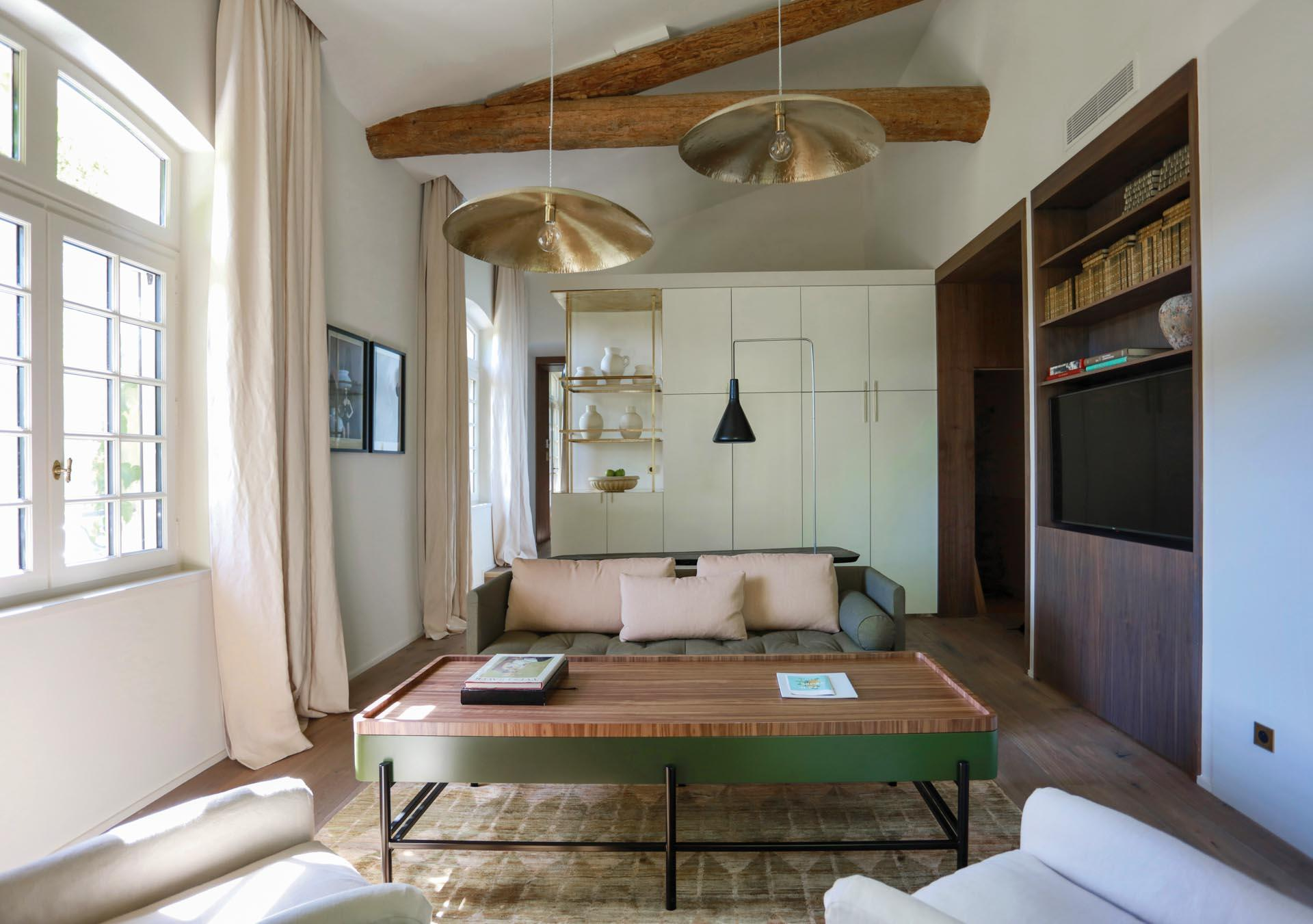 Le salon d'une suite à Baumanière © DR