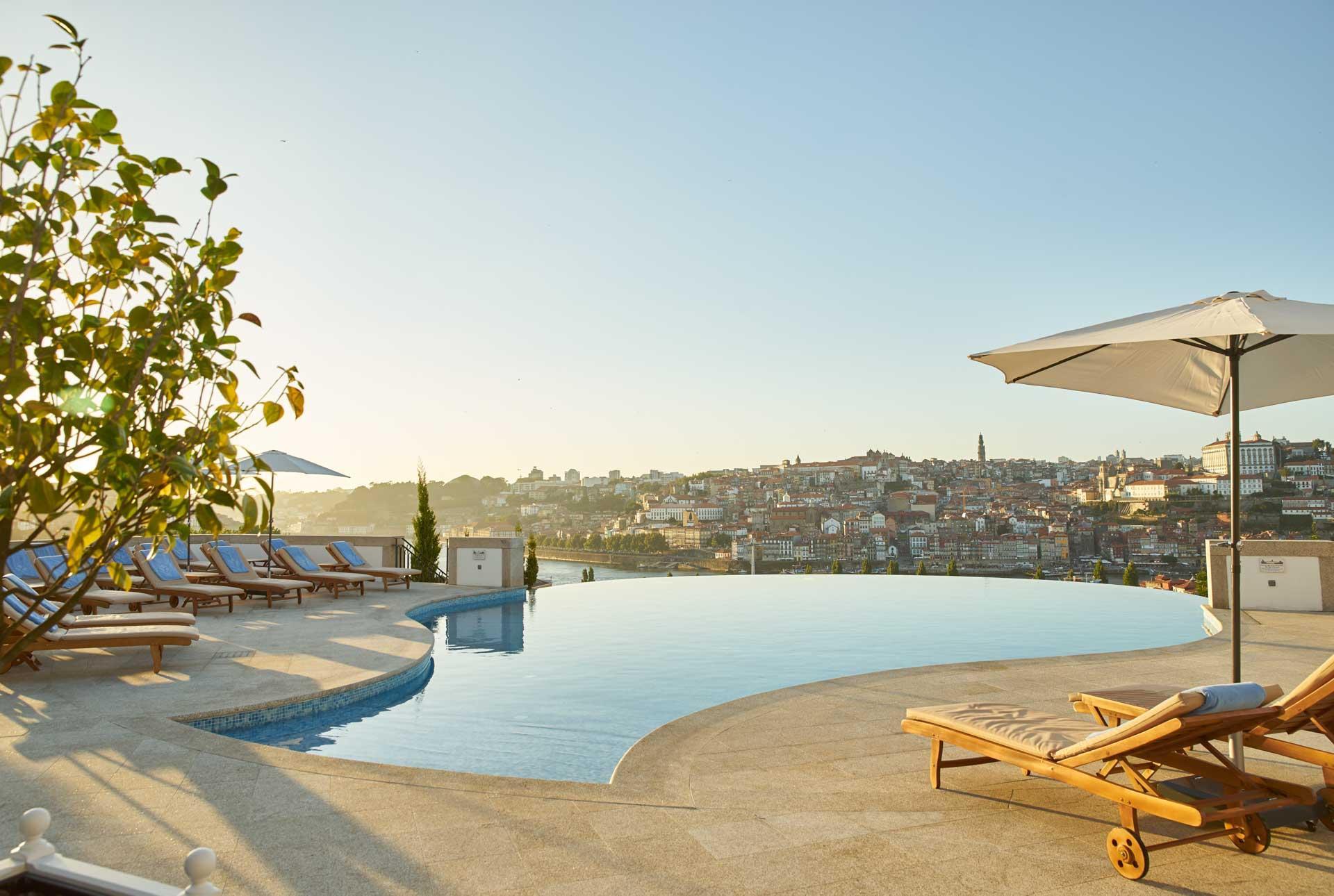 The Yeatman — piscine extérieure © The Yeatman
