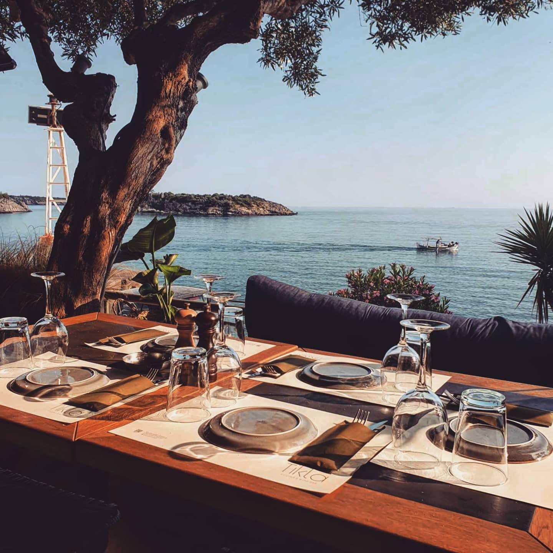 Restaurant Tikla au bord de l'eau © Tikla