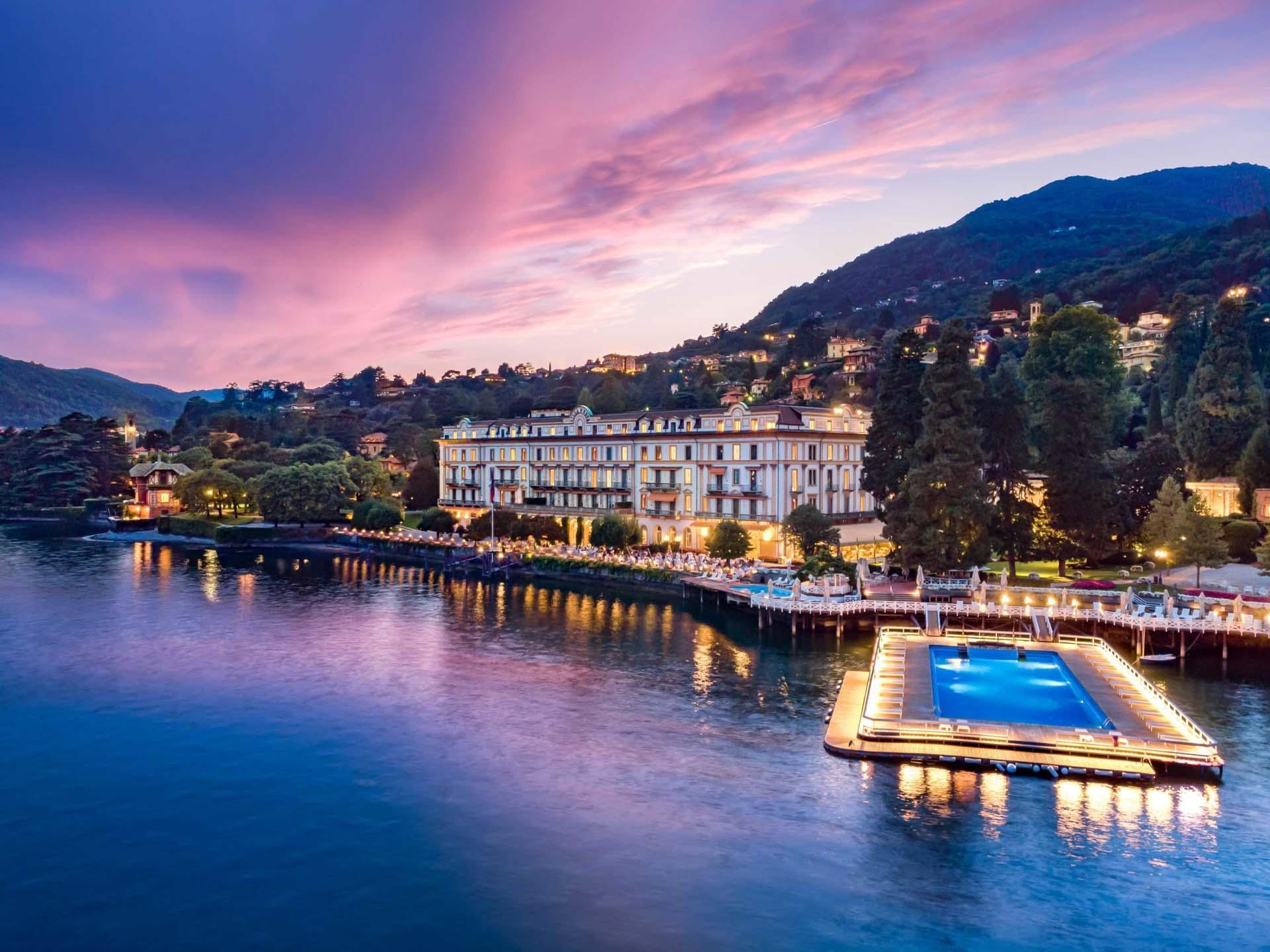 La piscine de la Villa d'Este se prolonge sur le lac © Grand Luxury