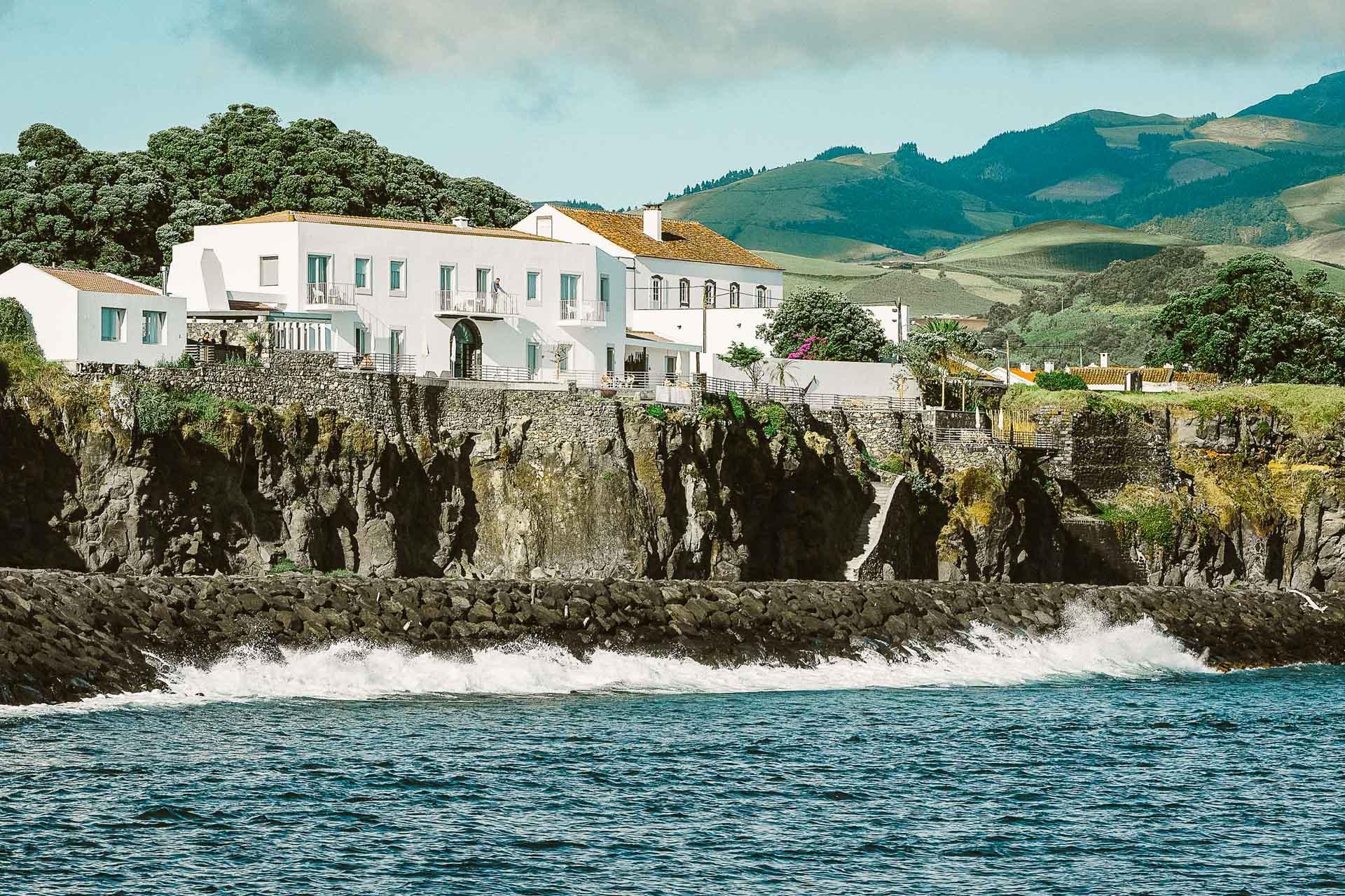 © White Exclusive Suites & Villas