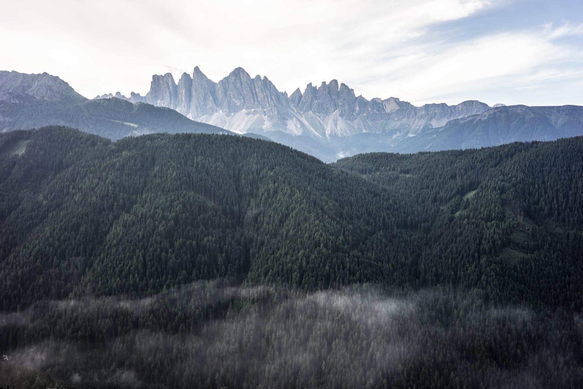 L'âme de Forestis : la présence de la forêt et des montagnes, vues ici du balcon d'une des Tower Suites.
