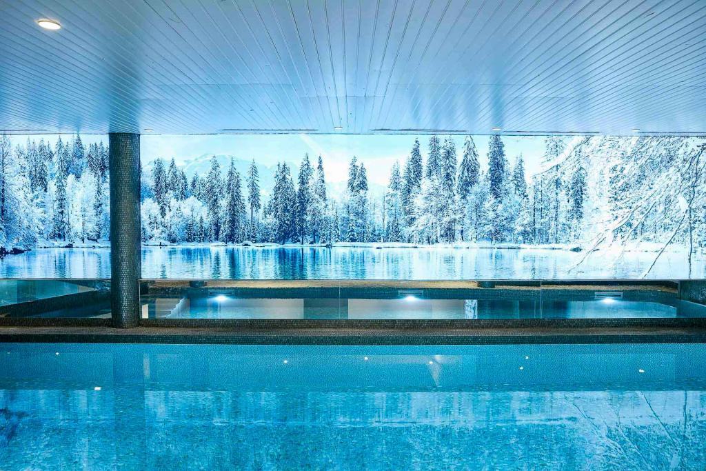 Grand Hôtel du Soleil d'Or — piscine © Gaëlle le Boulicaut.