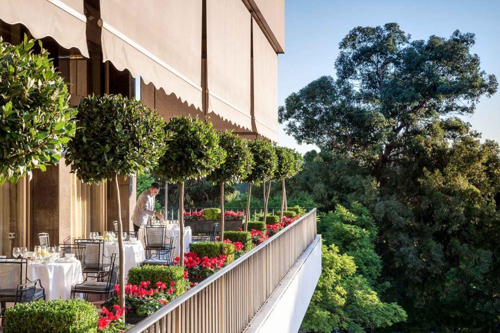 Four Seasons Ritz Carlton à Lisbonne, terrasse.