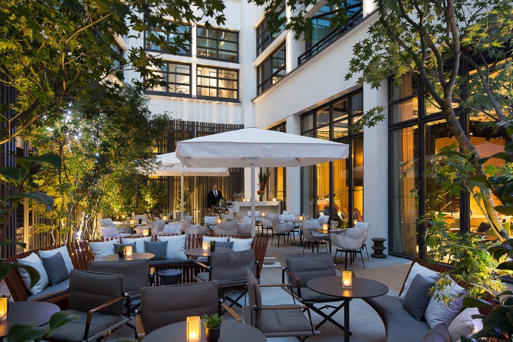 Le patio, qui à n'en pas douter, va s'imposer comme l'une des terrasses les plus branchées du quartier l'été prochain | © Le Cinq Codet