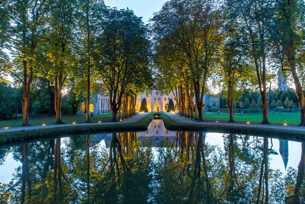 Abbaye de Royaumont au crépuscule © Yann Monel