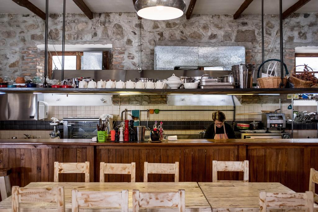 En cuisine chez Dolmama © Dolmama Restaurant.