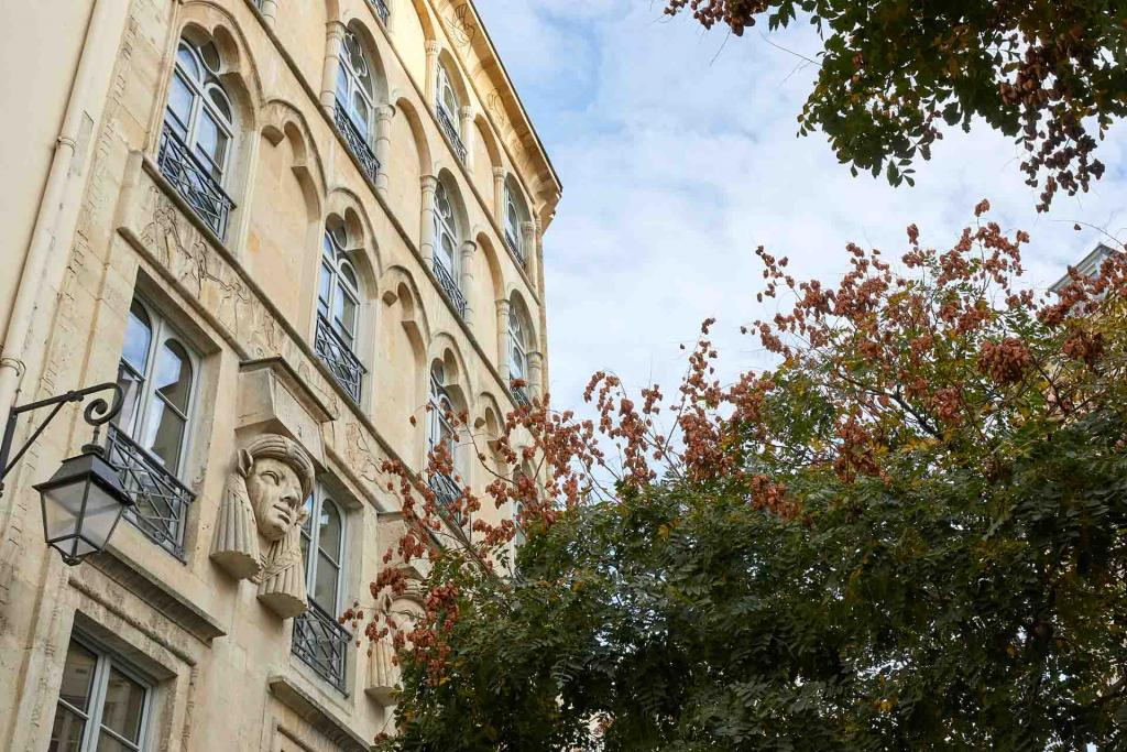 Hôtel du Sentier Paris — façade © Philippe Garcia