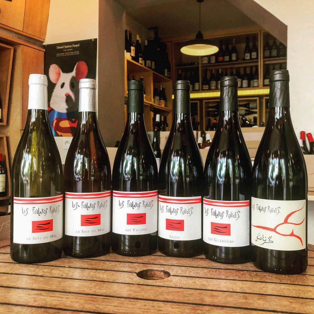 Les Foulards Rouges — Lot of Wine.