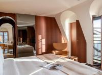 La Réserve Eden au Lac Zurich, l'élégant « yacht club imaginaire » de Philippe Starck