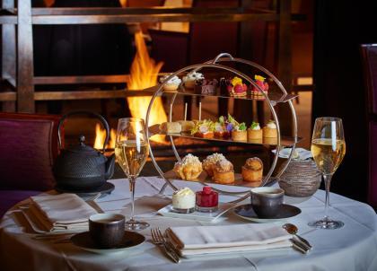 5 raisons de tester la Paren(the)se, le tea time chic du Park Hyatt Paris-Vendôme