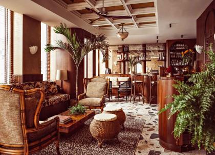 Monsieur Aristide, l'hôtel à Montmartre qui pousse la chansonnette
