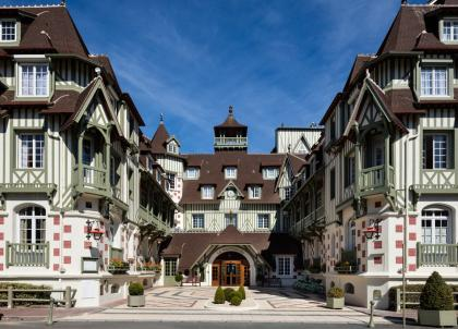 Le Normandy, mythique hôtel du groupe Barrière à Deauville, rouvre ses portes
