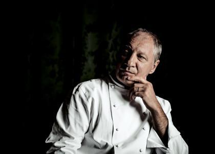 Portrait d'Eric Frechon : vingt ans de cuisine au Bristol, dix ans de 3 étoiles