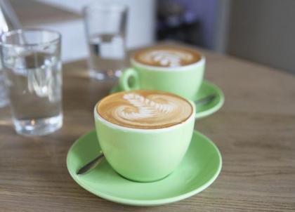 11 spots incontournables pour boire un excellent café à Paris