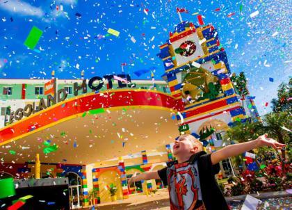 L'hôtel Lego, le paradis des petits et des nostalgiques des briques colorées, vient d'ouvrir ses portes en Floride