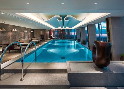 Shangri-La dévoile la plus haute piscine d'Europe à Londres
