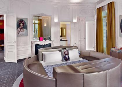 Le W Paris-Opéra invite Thierry Lasry dans sa plus belle suite