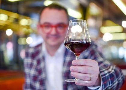 Quels vins boire cet été ? Les conseils avisés de l'un des meilleurs sommeliers de France