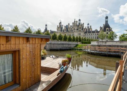 Château de Chambord : dormir sur l'eau et face au château, une expérience unique