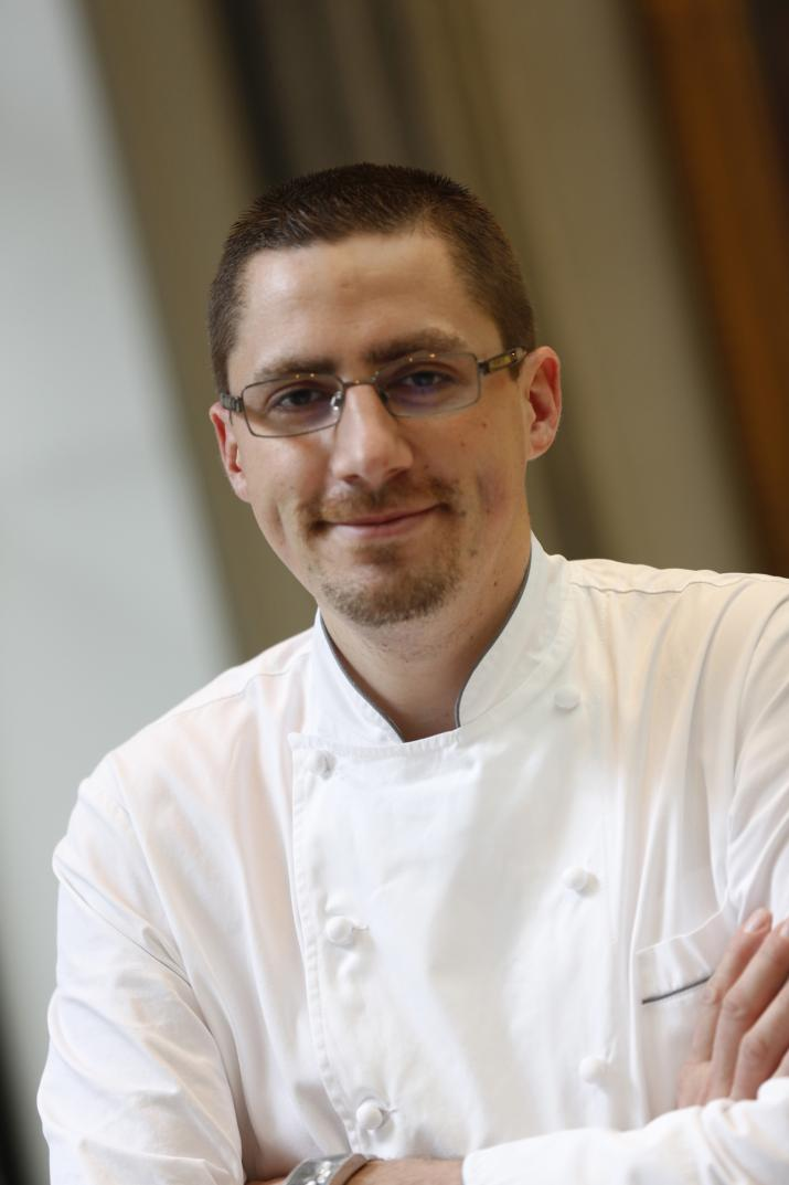 Le chef de la Table du Lancaster, Julien Roucheteau.