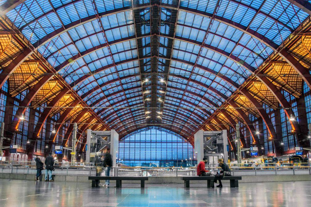 La grandiose Gare Centrale d'Anvers © CC ##Stijn Hosdez @@https://flic.kr/p/hjSTQv
