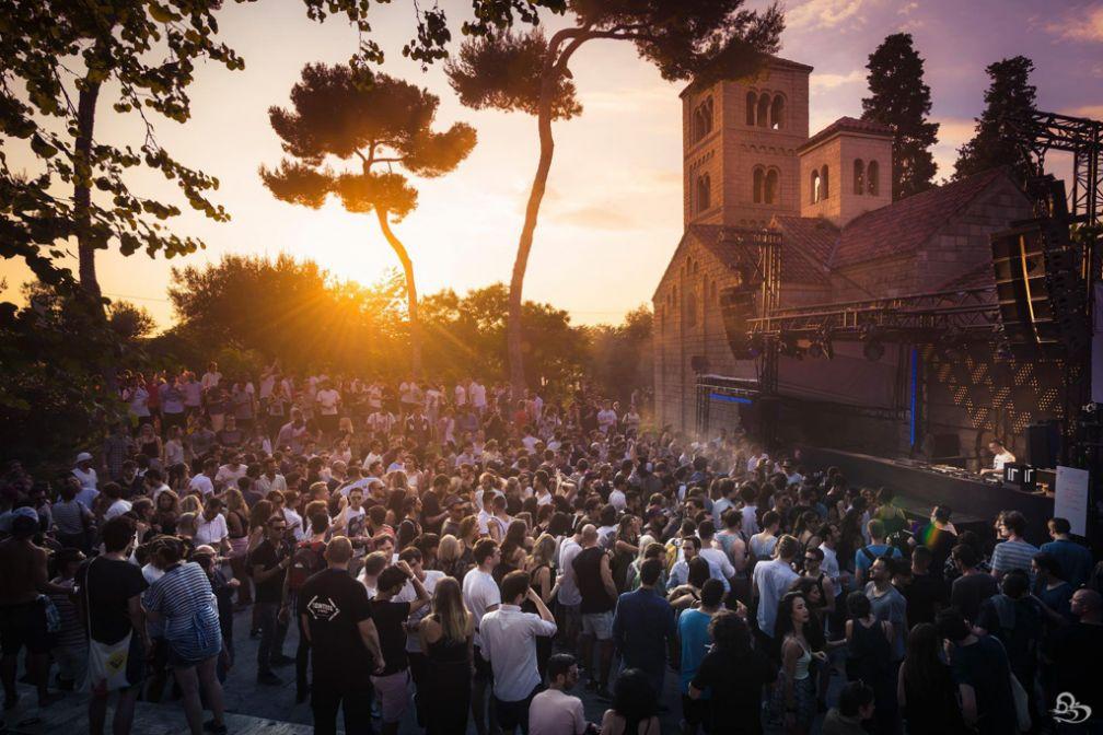 Coucher de soleil au Monasterio pendant le fabuleux festival IR BCN | © GBK.Photos