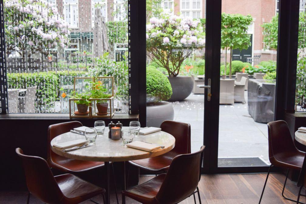 Le restaurant Bridges au Sofitel Legend The Grand dispose de l'une des plus agréables salles à manger du vieux centre | © Yonder.fr